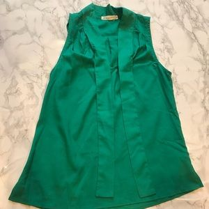 Tops - Green Collar Tie Sleeveless Blouse